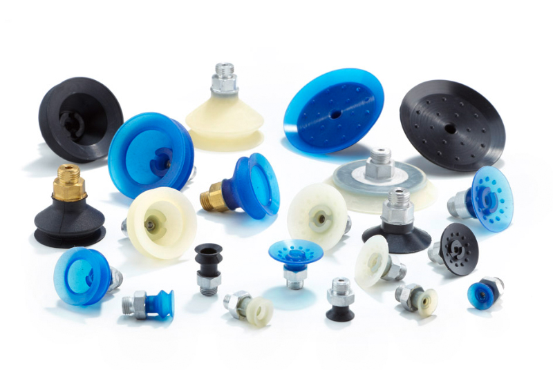 Universally applicable flat and bellow suction cups guarantee excellent stability and flawless handling